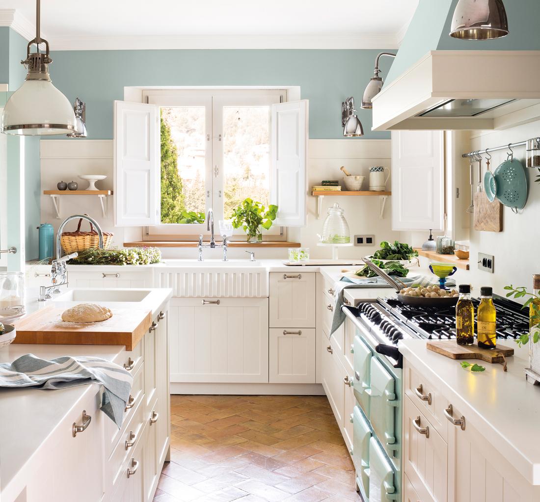 Cocinas blancas que nunca pasan de moda - Decoracion cortinas cocina ...