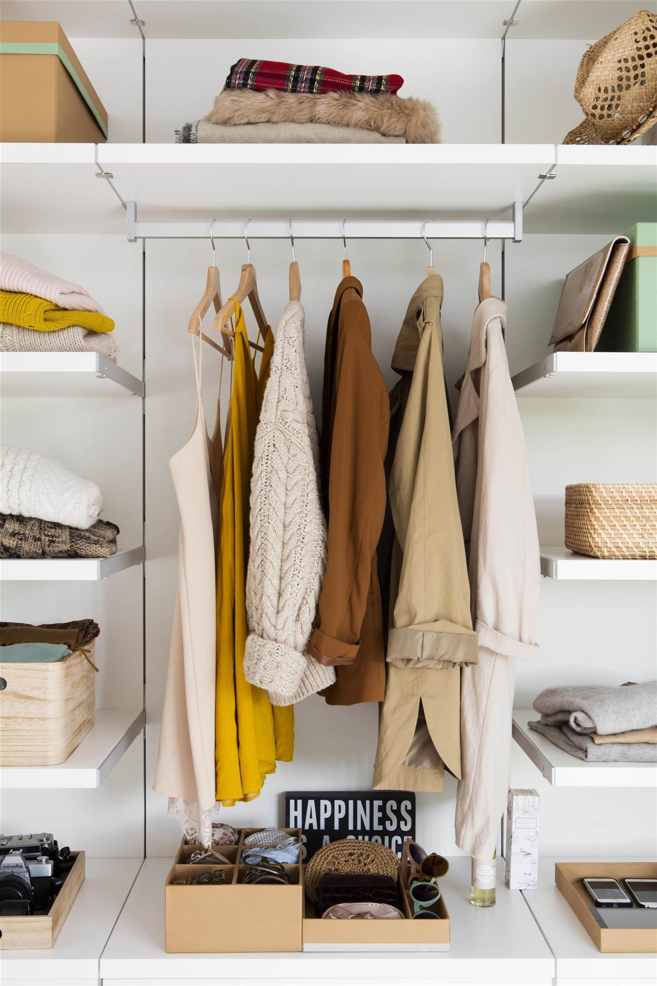 Armarios roperos armarios de cocina y armarios de ba o - Armarios con baldas ...