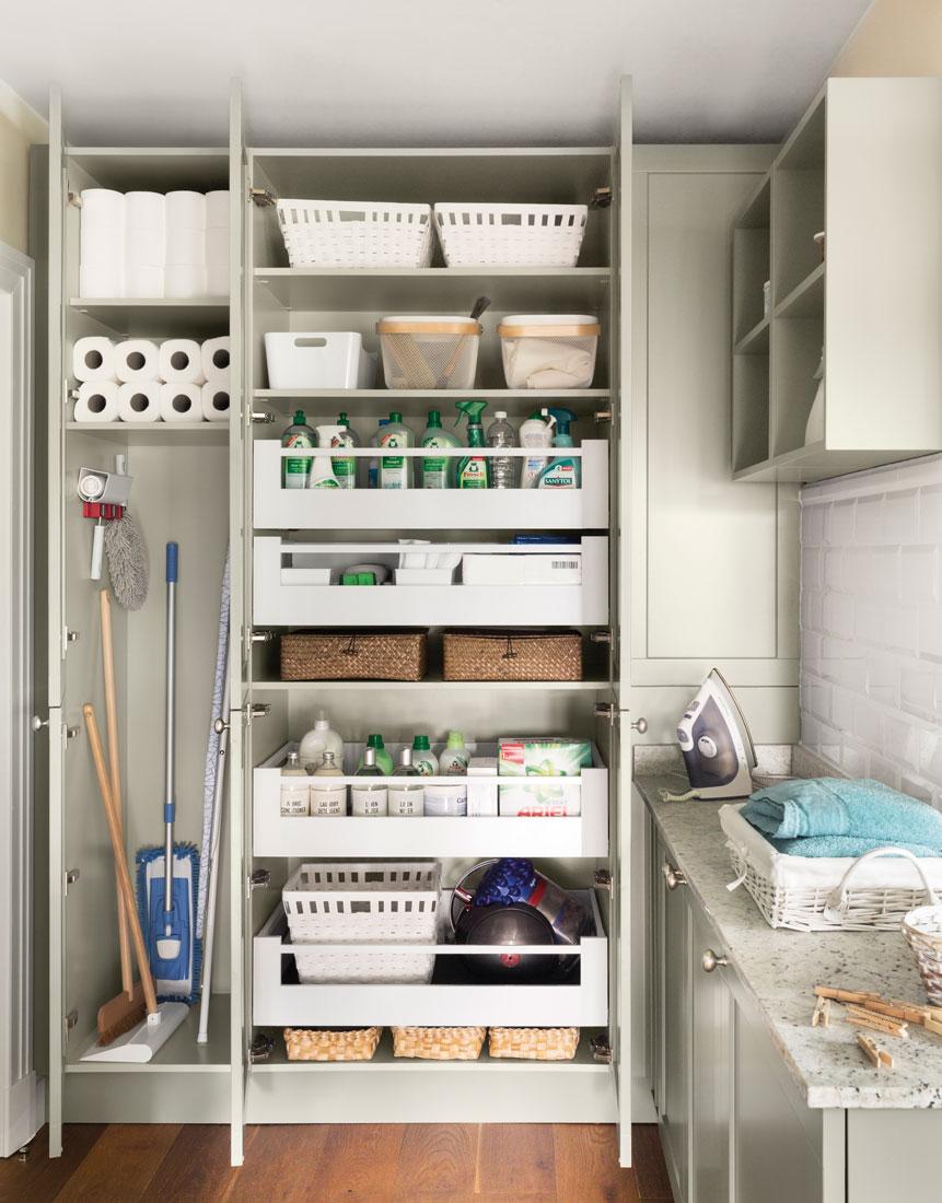 Orden en los productos de limpieza for Limpieza de muebles