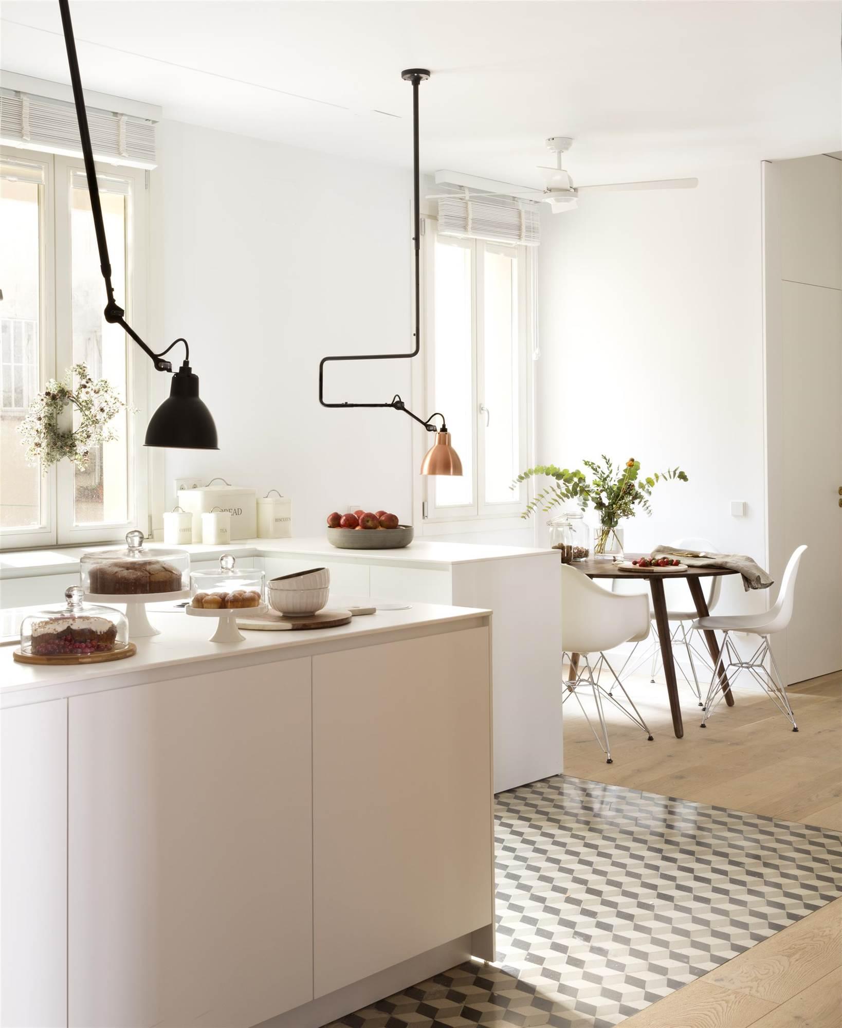 Suelo laminado en cocina good view images suelos laminados cocina with suelo laminado en cocina - Como poner suelo laminado ...