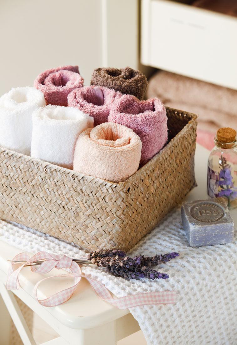 C mo guardar y ordenar las toallas y s banas - Cuales son las mejores toallas ...