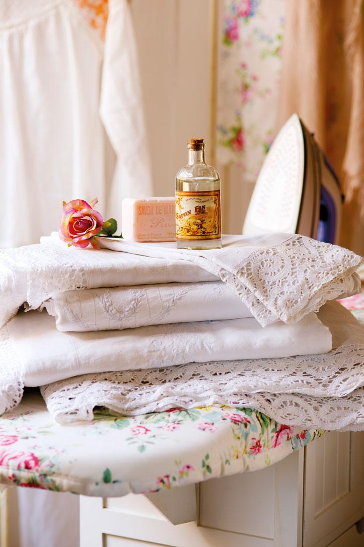 C mo guardar y ordenar las toallas y s banas - Sabanas y toallas ...