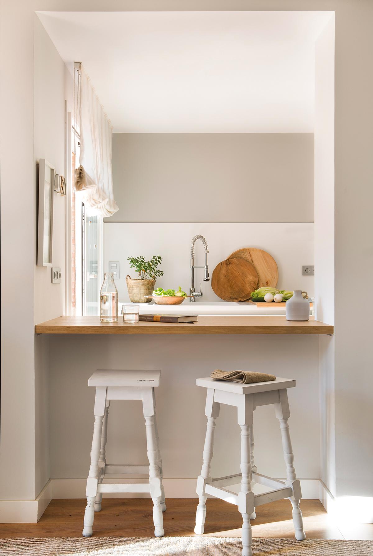 Cocinas muebles decoraci n dise o blancas o peque as - Taburete barra cocina ...