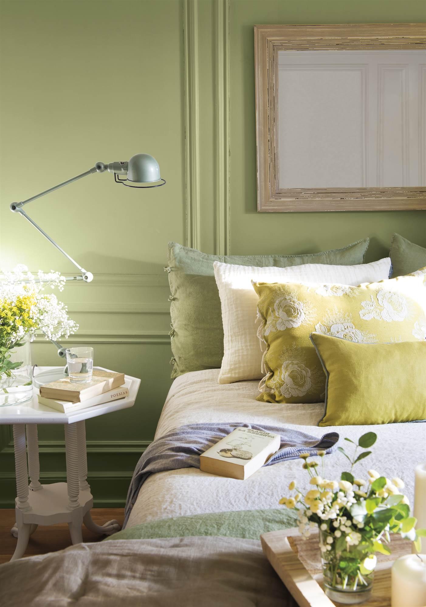 Cabeceros de cama originales for Decoracion con espejos en paredes