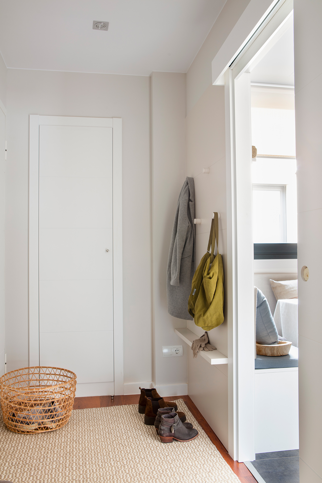 Cu nto cuesta pintar un piso for Cuanto cuesta poner una puerta interior
