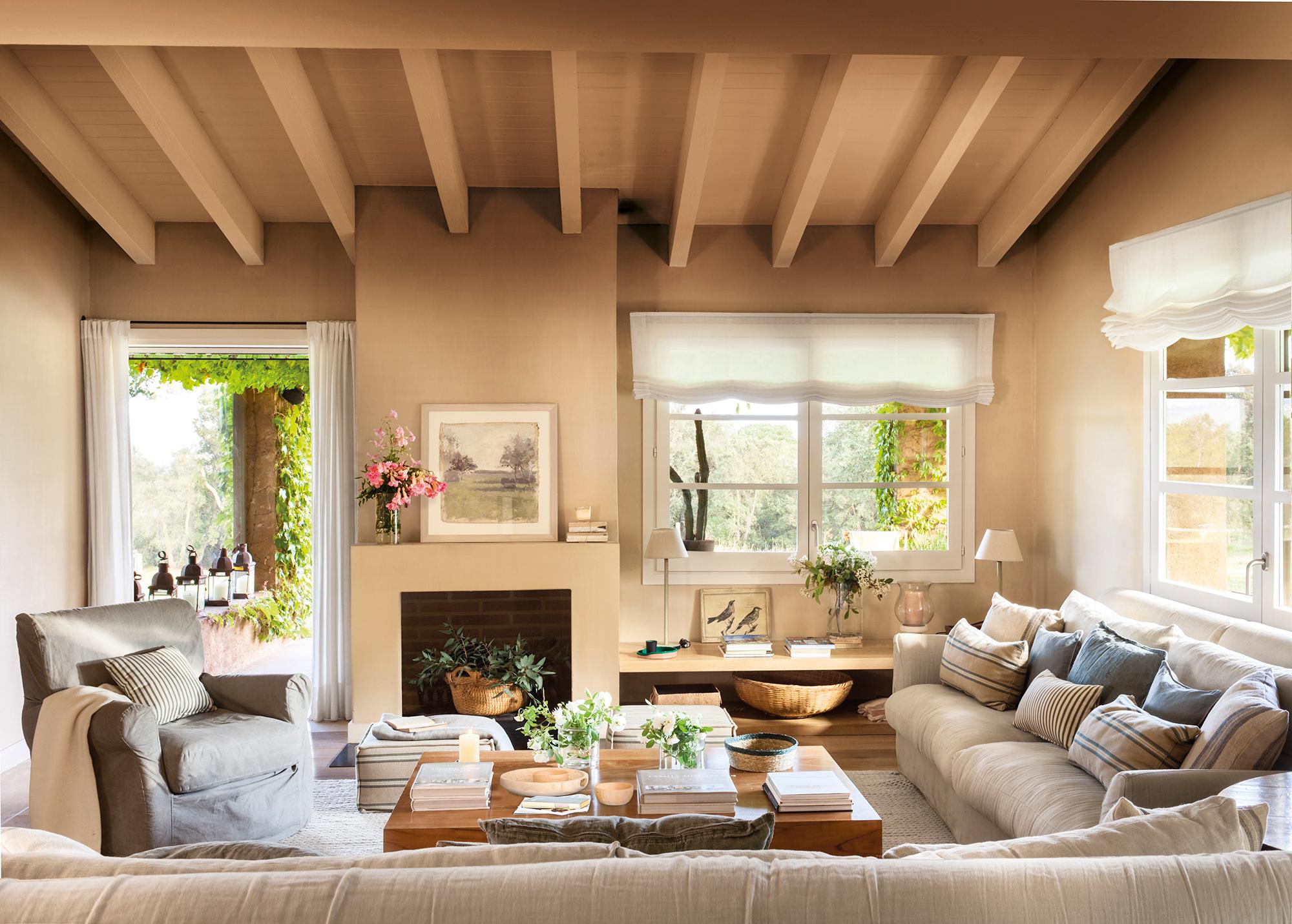 El color arena c lido y atemporal - Pintar salon pequeno dos colores ...