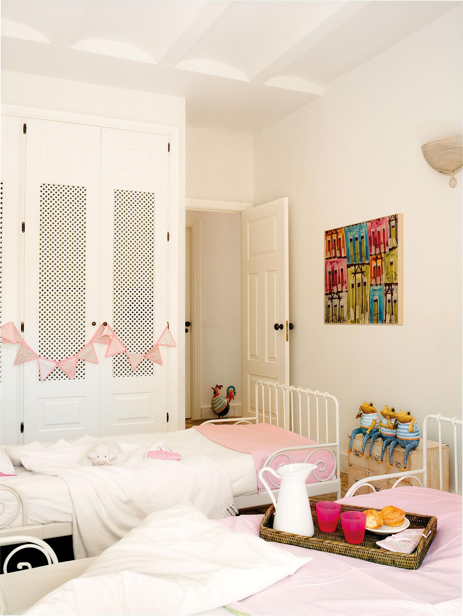 Distribuir la habitaci n infantil 5 ejemplos de xito - Distribuir armario empotrado ...