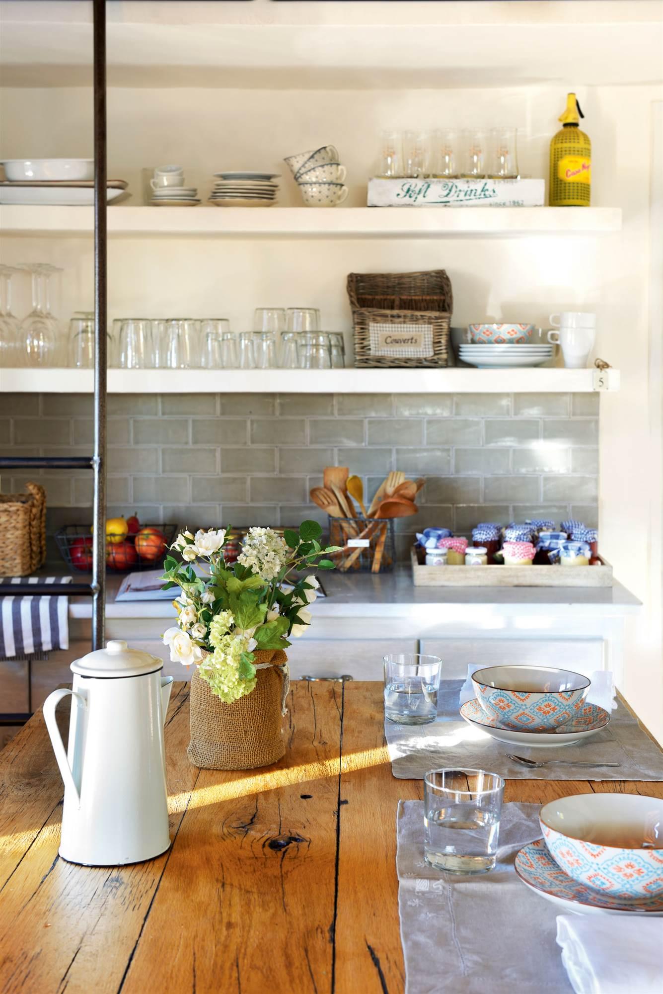 Vistoso Mesas De Cocina Pequeña Canadá Festooning - Ideas de ...