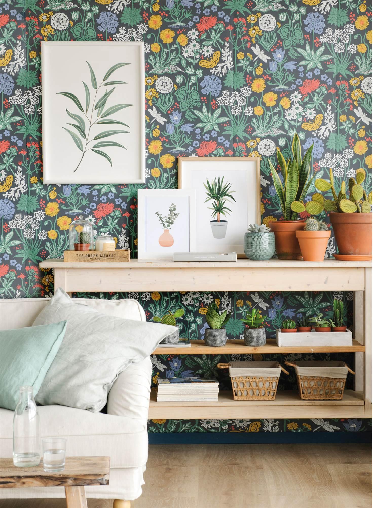 pared empapelada con papel de flores y laminas con ilustraciones de  plantas 00451405. Una pared de dd7872f69b2