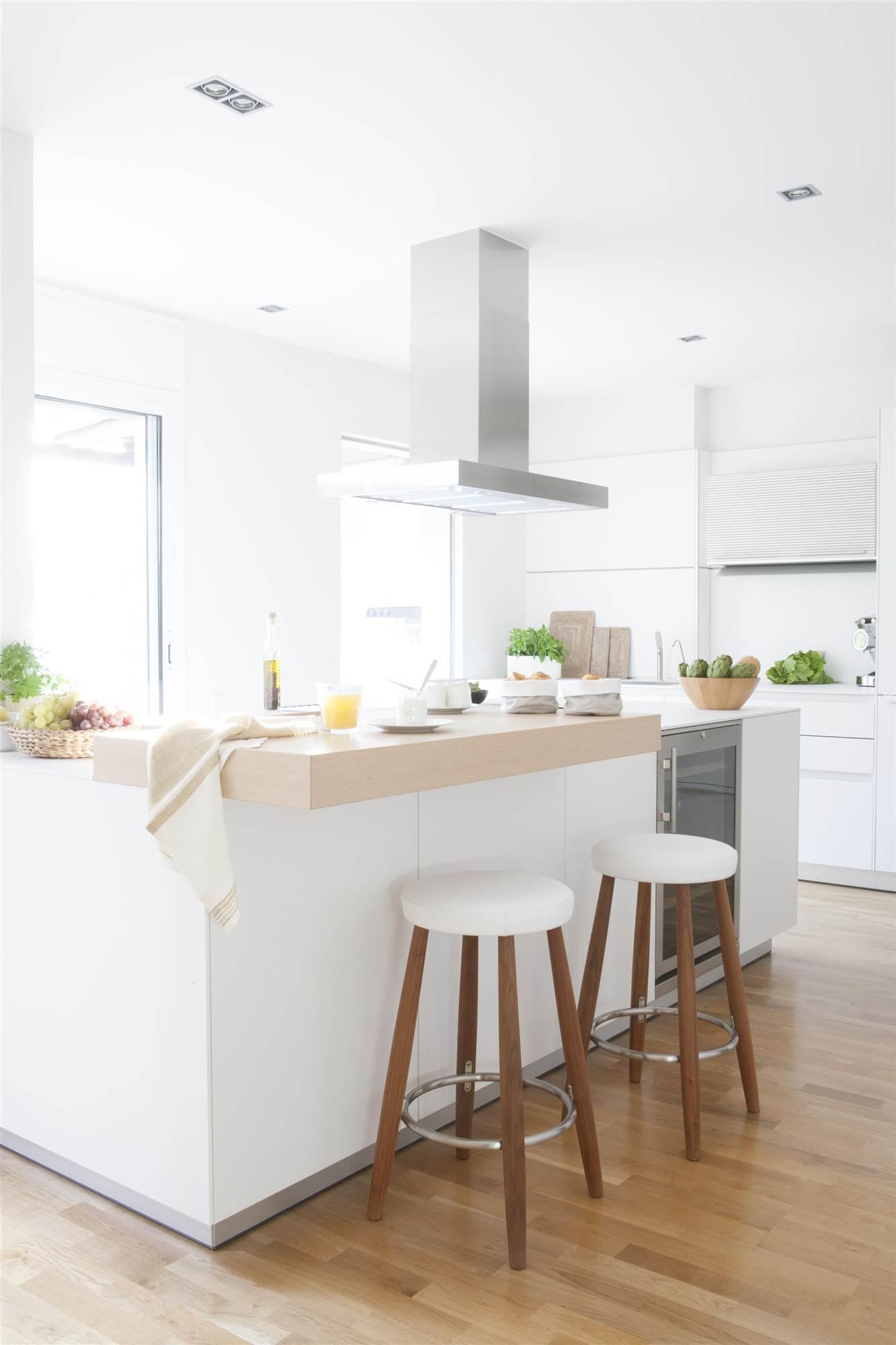 Cocinas en blanco y madera bonitas c lidas y luminosas for Cocina color gris y madera