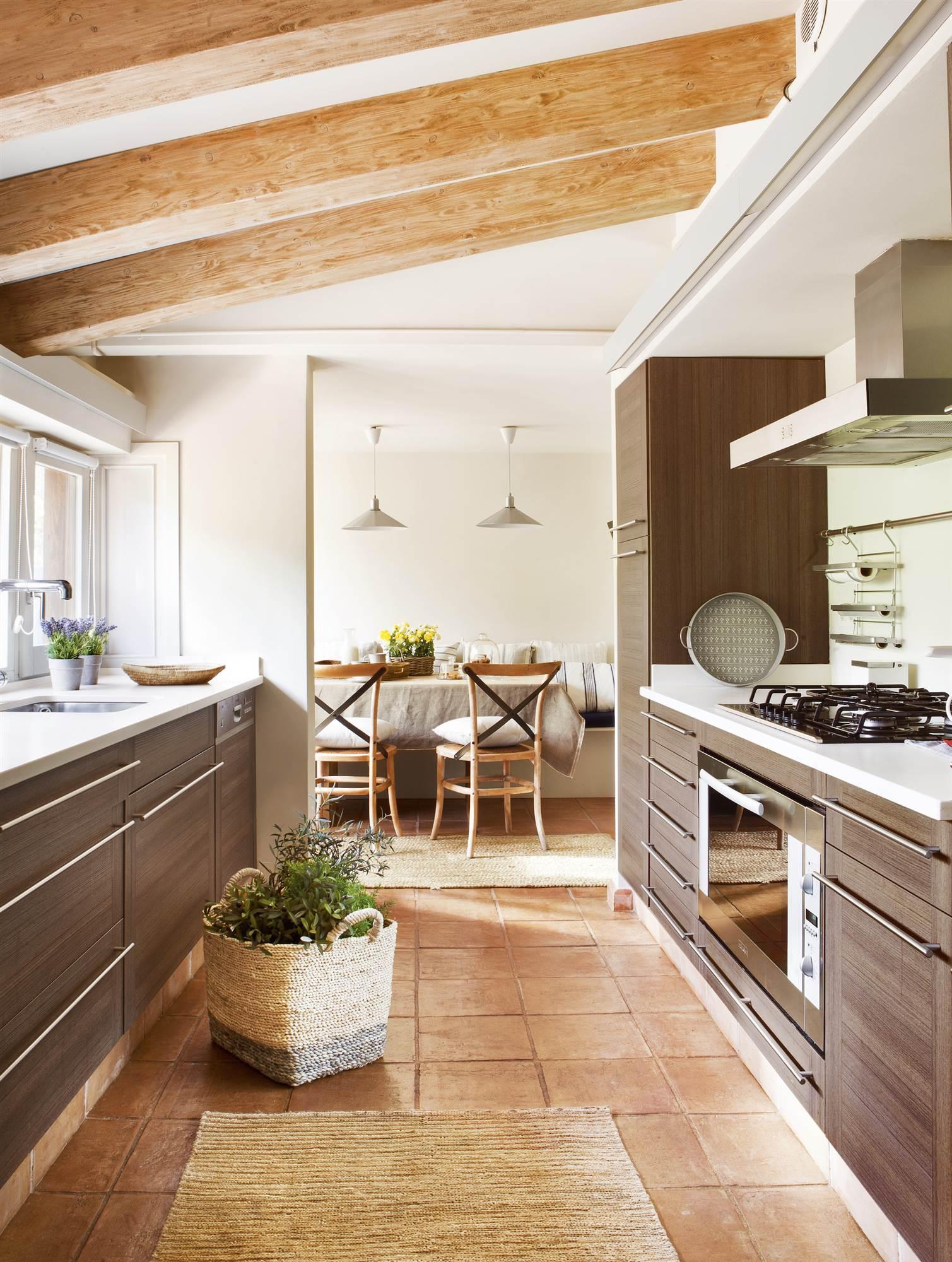 2147 fotos de cocinas for Cocina de madera antracita