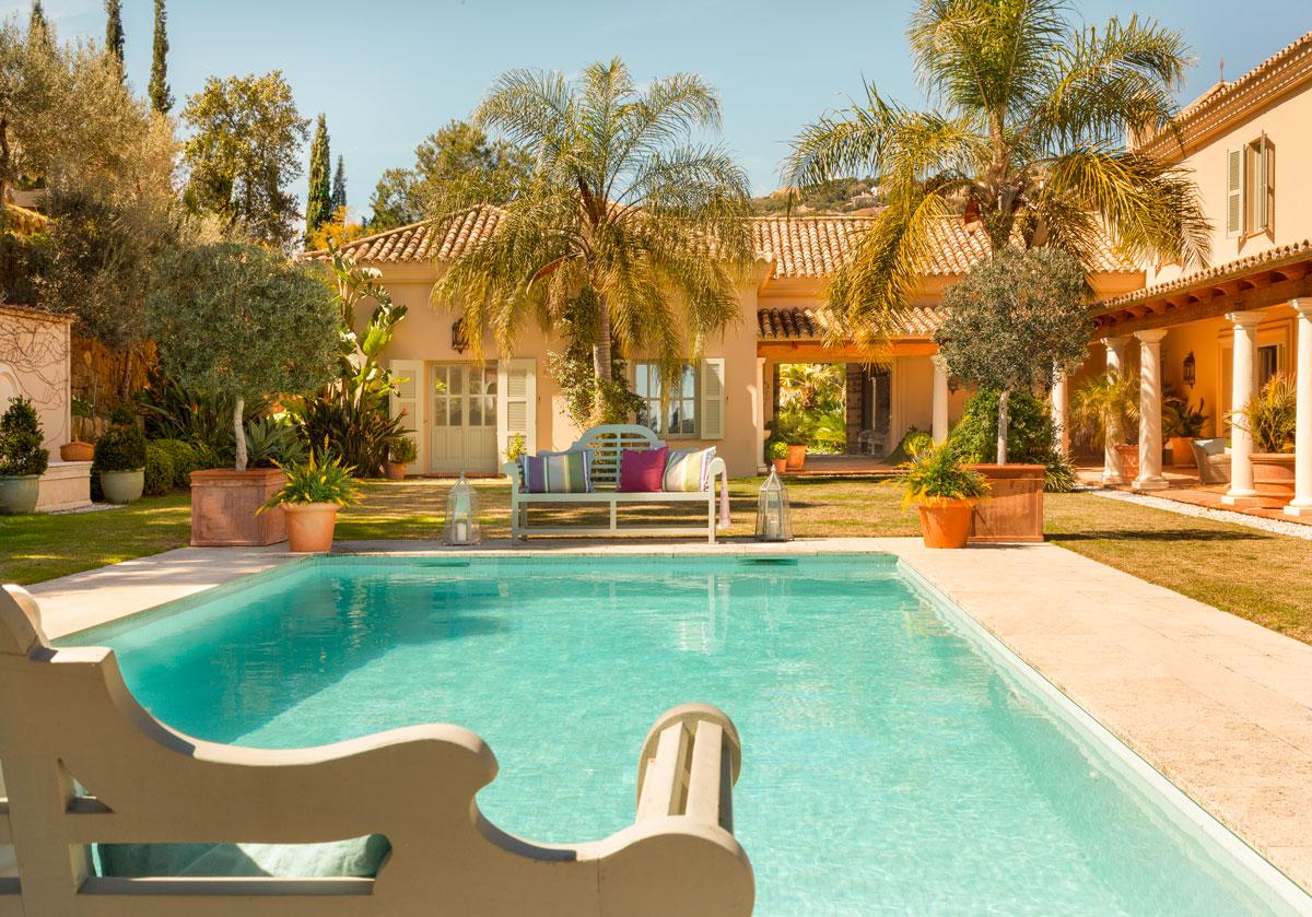 Imagenes de piscinas para casas pequeas bonitas casas villa for Fotos casas de campo con piscina