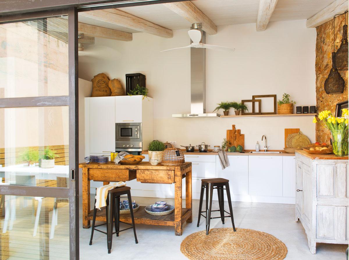 2581 fotos de cocinas for Mesa cocina con taburetes