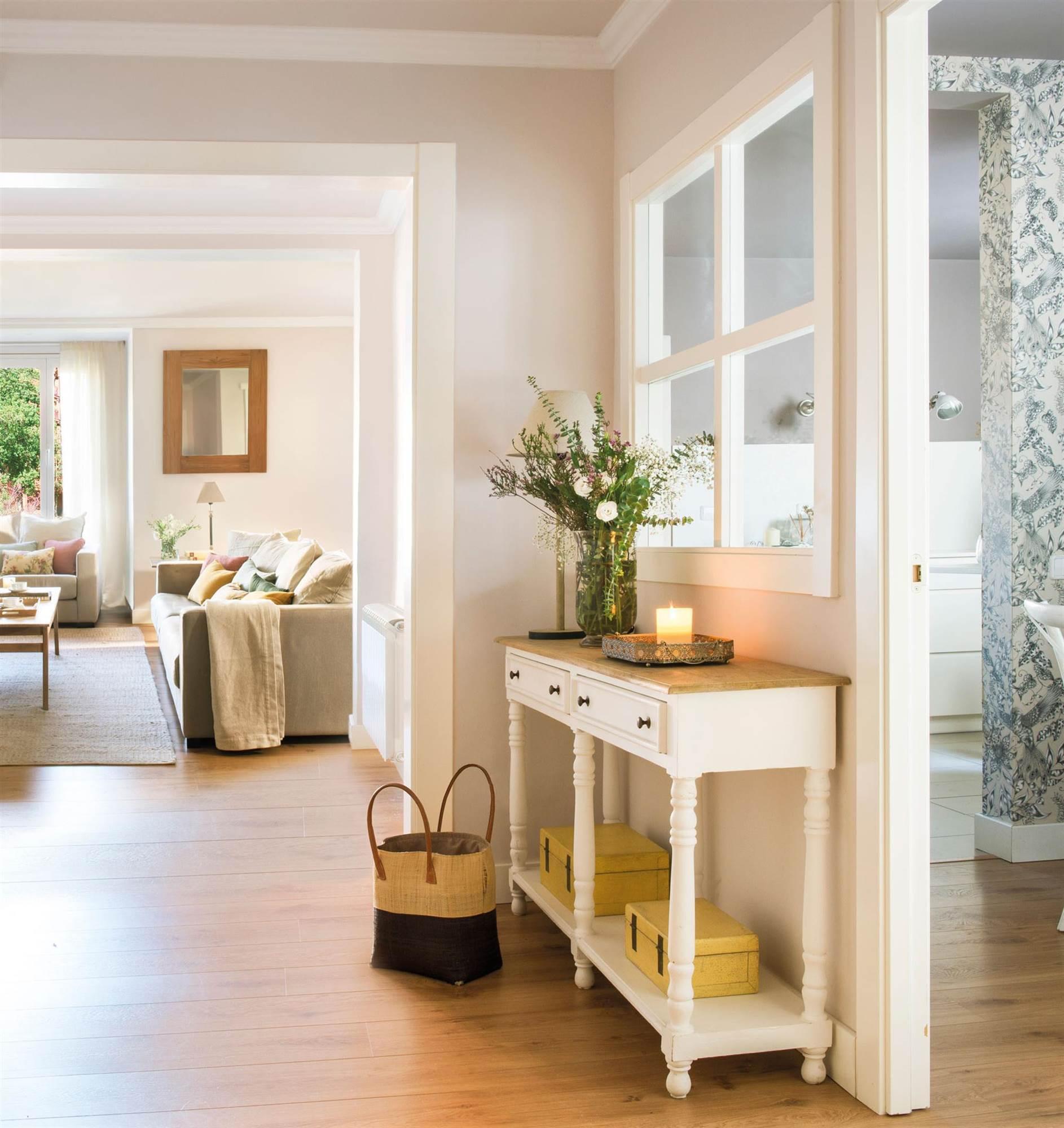 Los mejores recibidores decorados en blanco y madera for Muebles blancos y madera
