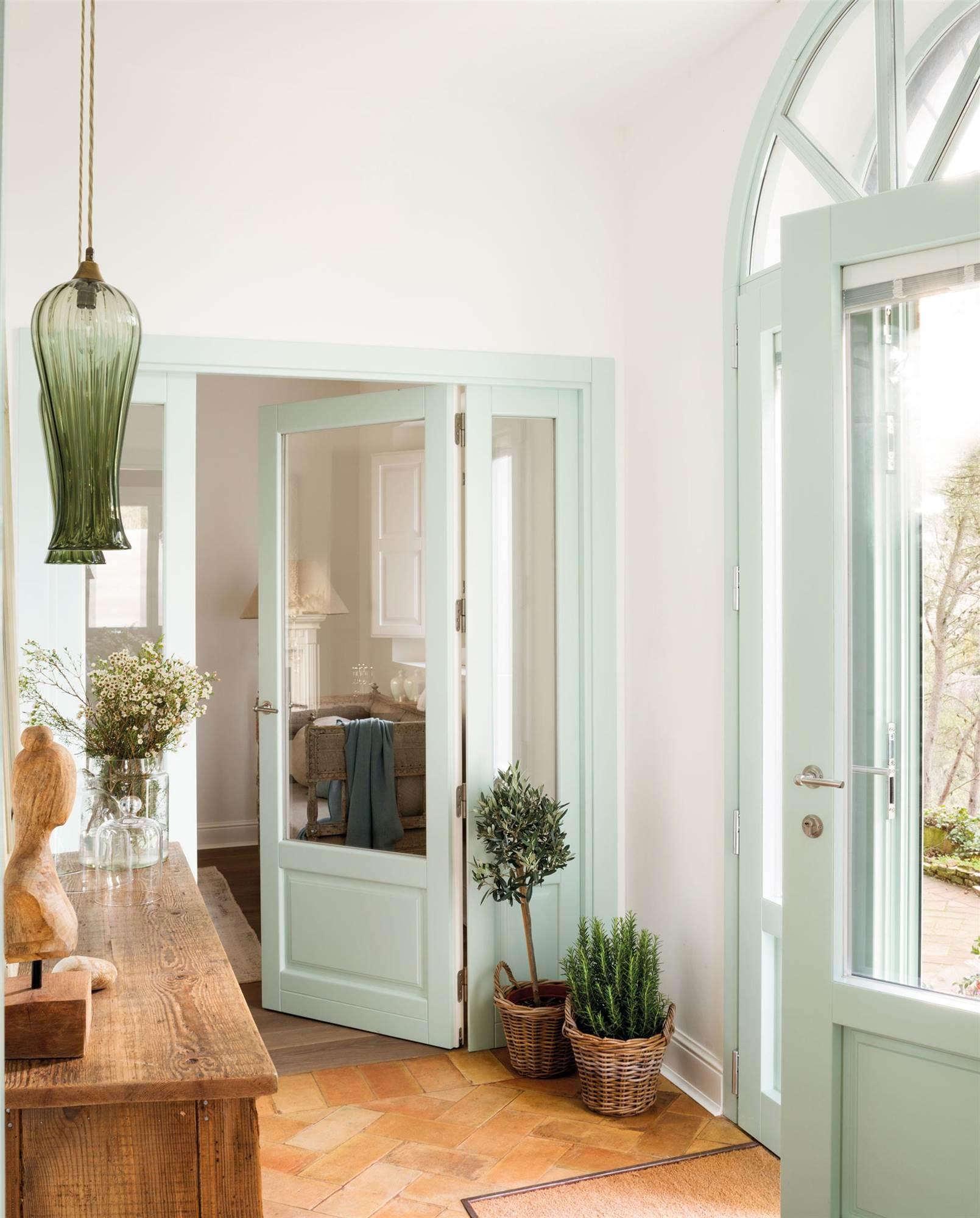Colores para pintar un recibidor recibidores pequeos de encanto entrada en colores llamativos - Pintar un recibidor ...