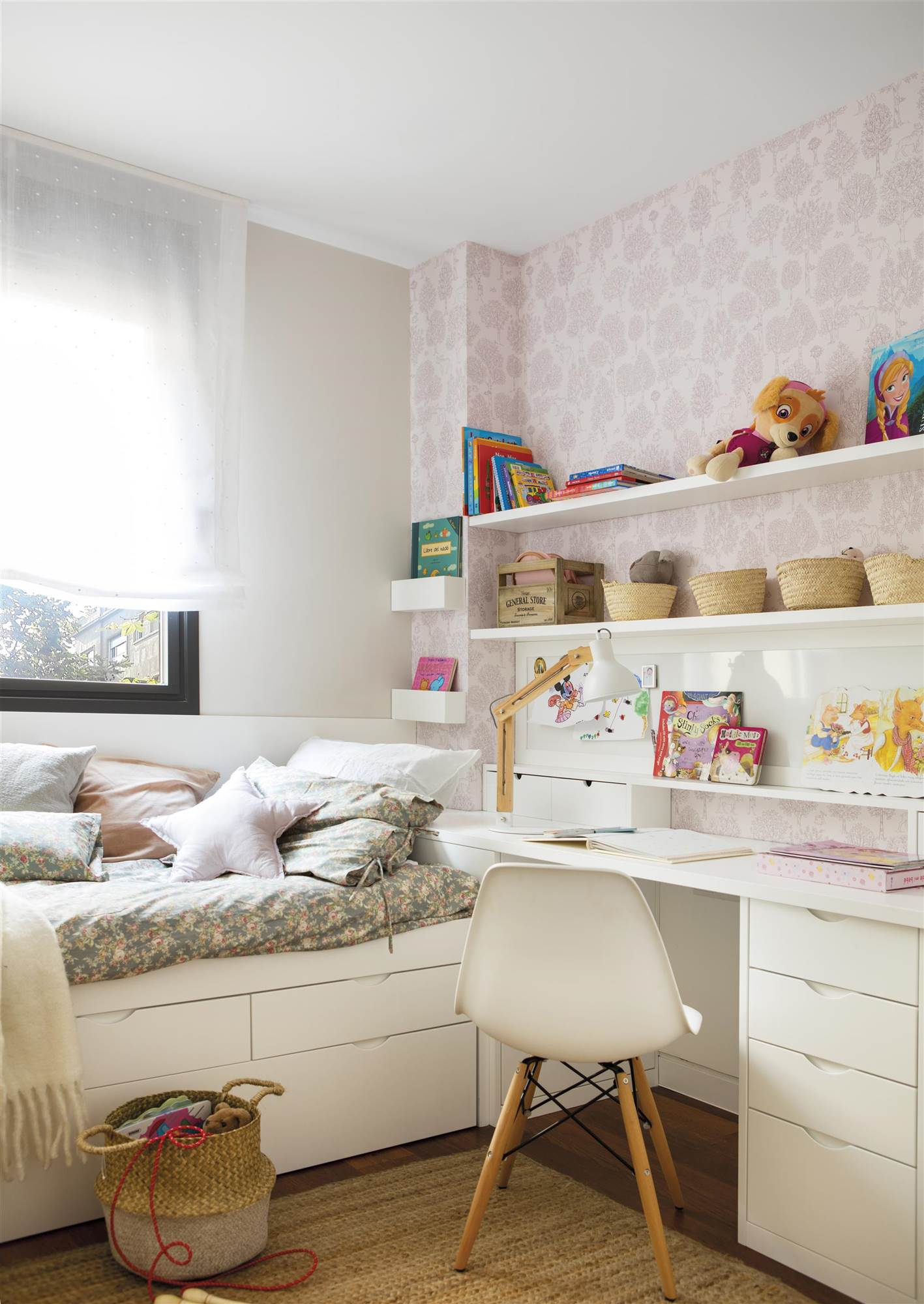 Habitaciones infantiles peque as en las que cabe todo - Escritorios para habitaciones pequenas ...