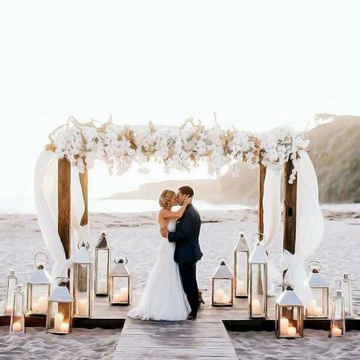 beach-wedding-arch-decorations-best-of-19-charming-beach-and-coastal-wedding-arch-ideas-for-2018-of-beach-wedding-arch-decorations. Amor al atardecer