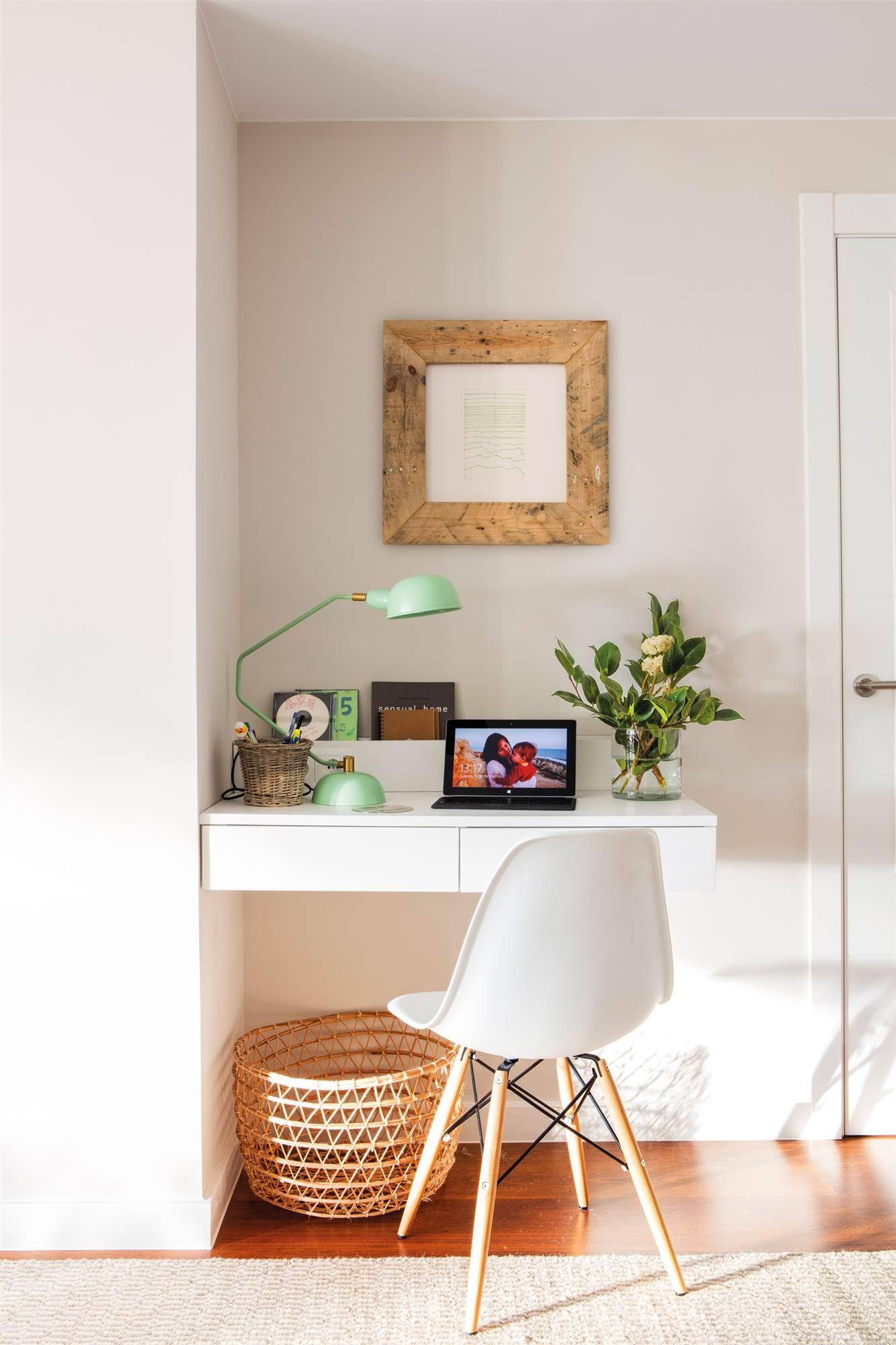Muebles para espacios peque os for Muebles modernos para oficinas pequenas