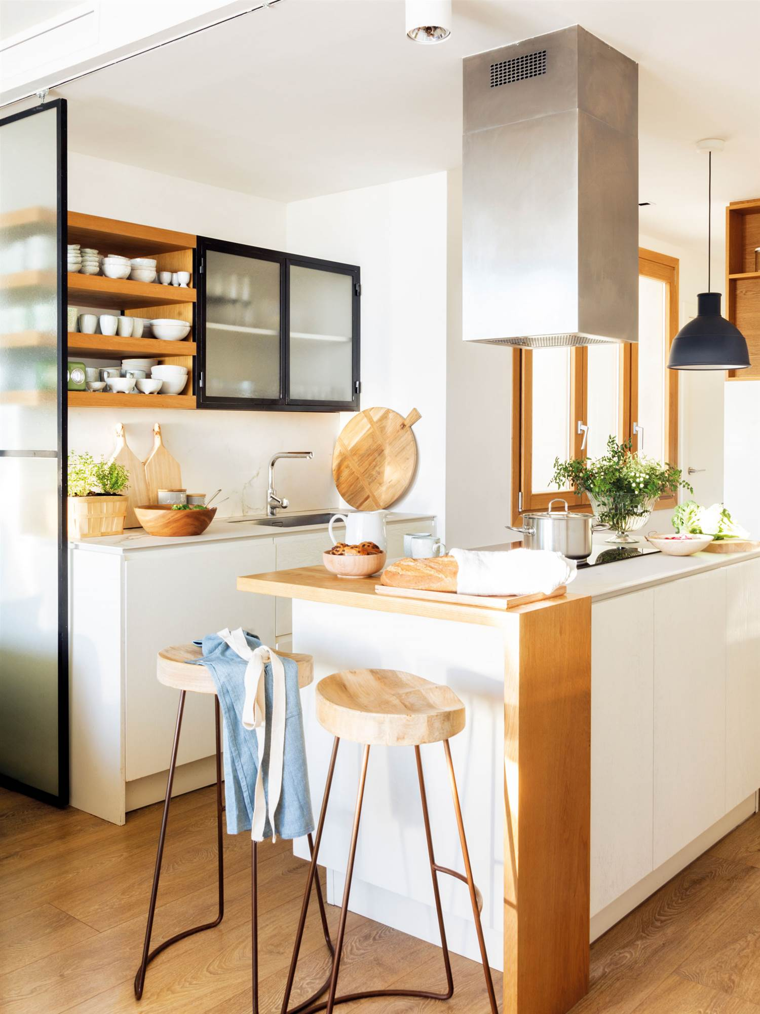 2147 fotos de cocinas for Disenos de cocinas pequenas con barra