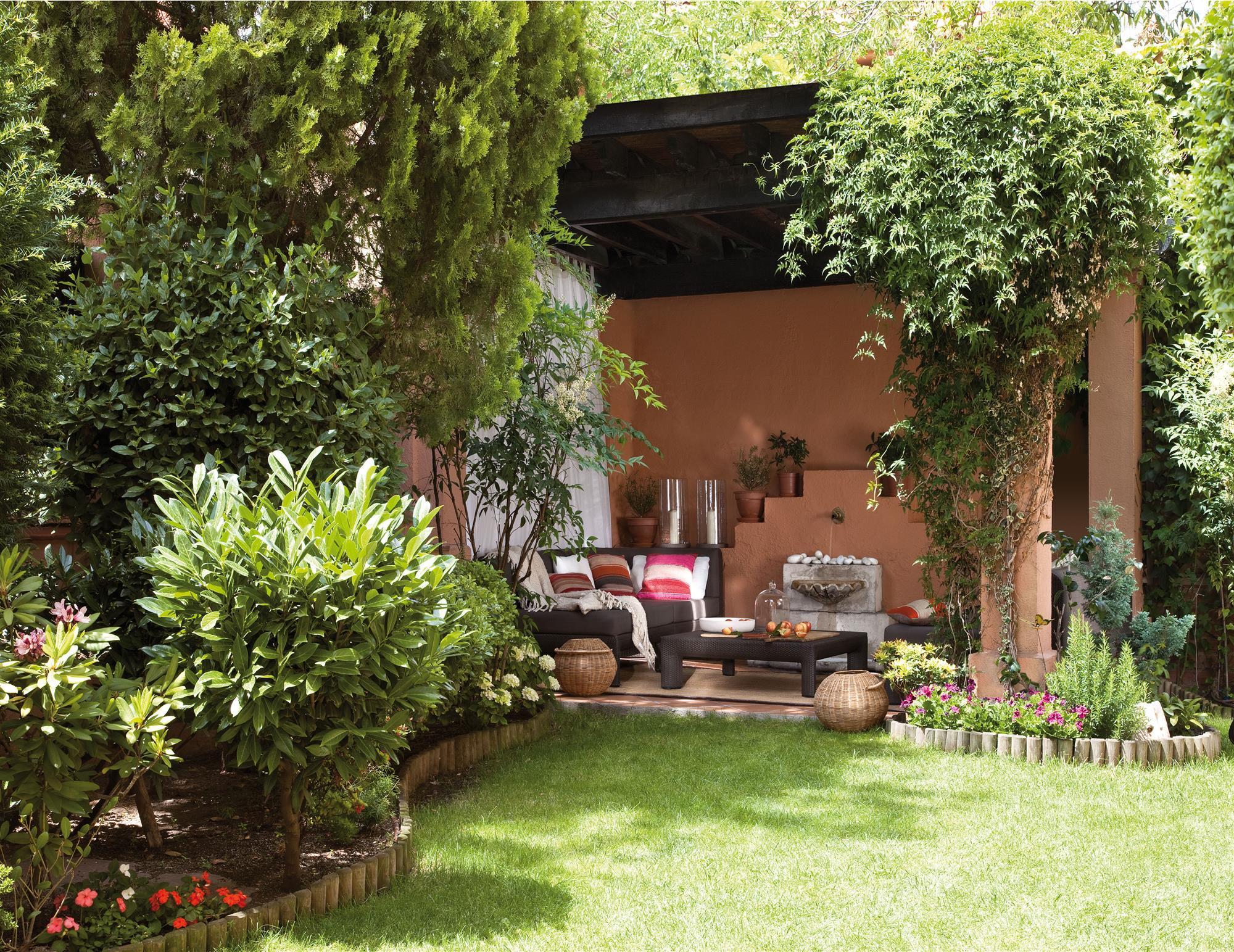 Jardines los 50 m s bonitos de el mueble for Jardines bonitos y sencillos