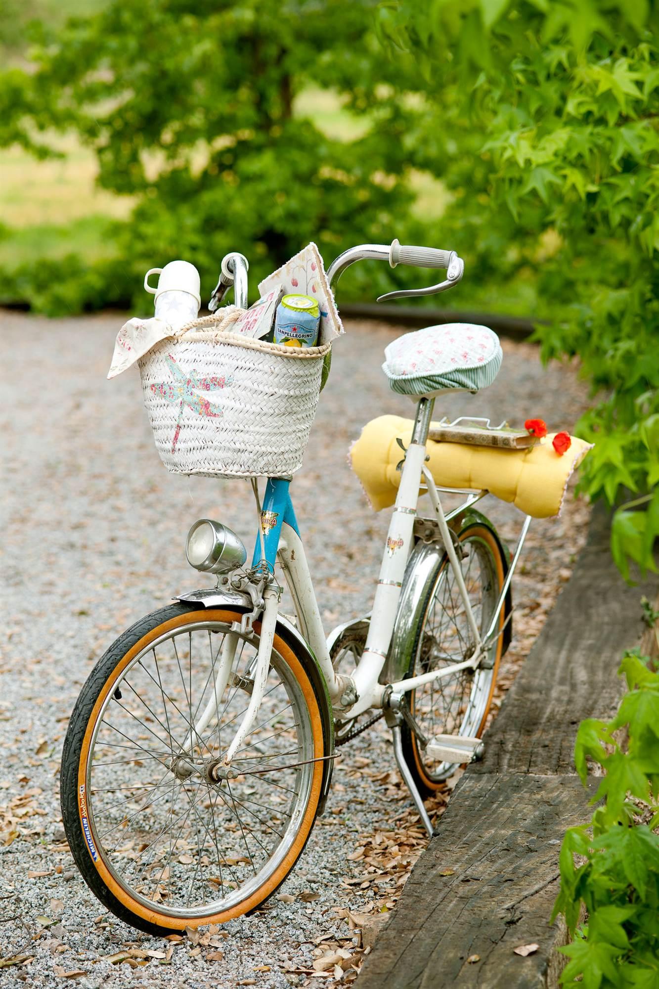Guardar o tirar en casa for Guardar bicicletas en el jardin