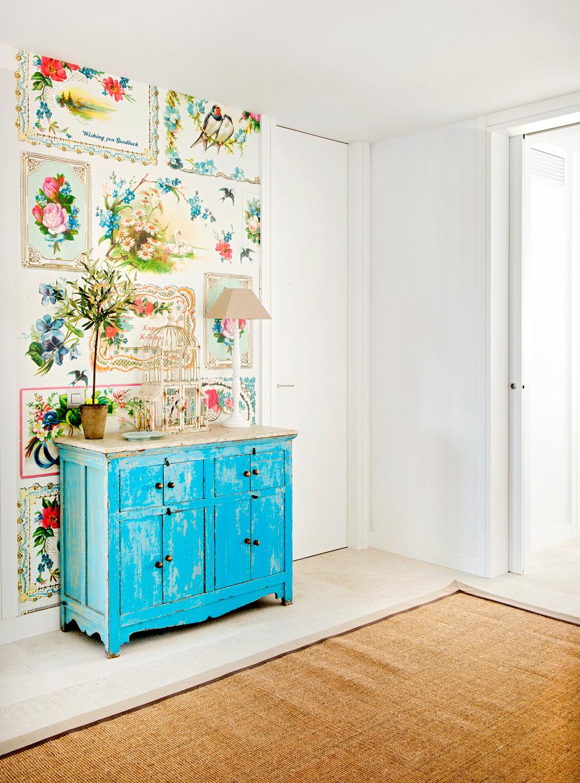 C mo pintar muebles antiguos modernos de madera - Decorar muebles con tela ...