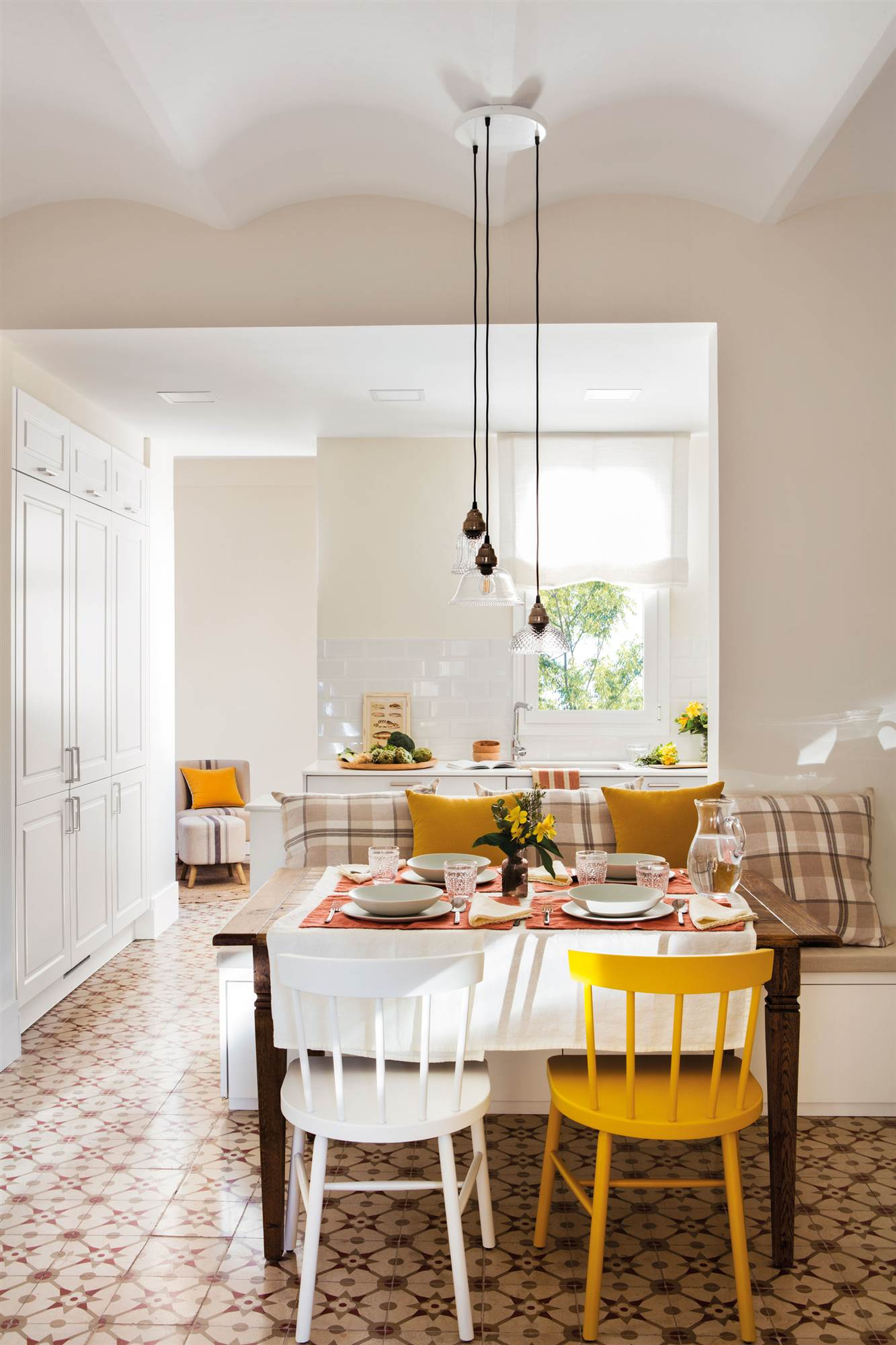 Casas lagom la receta sueca de la felicidad - Sillas colgantes del techo ...
