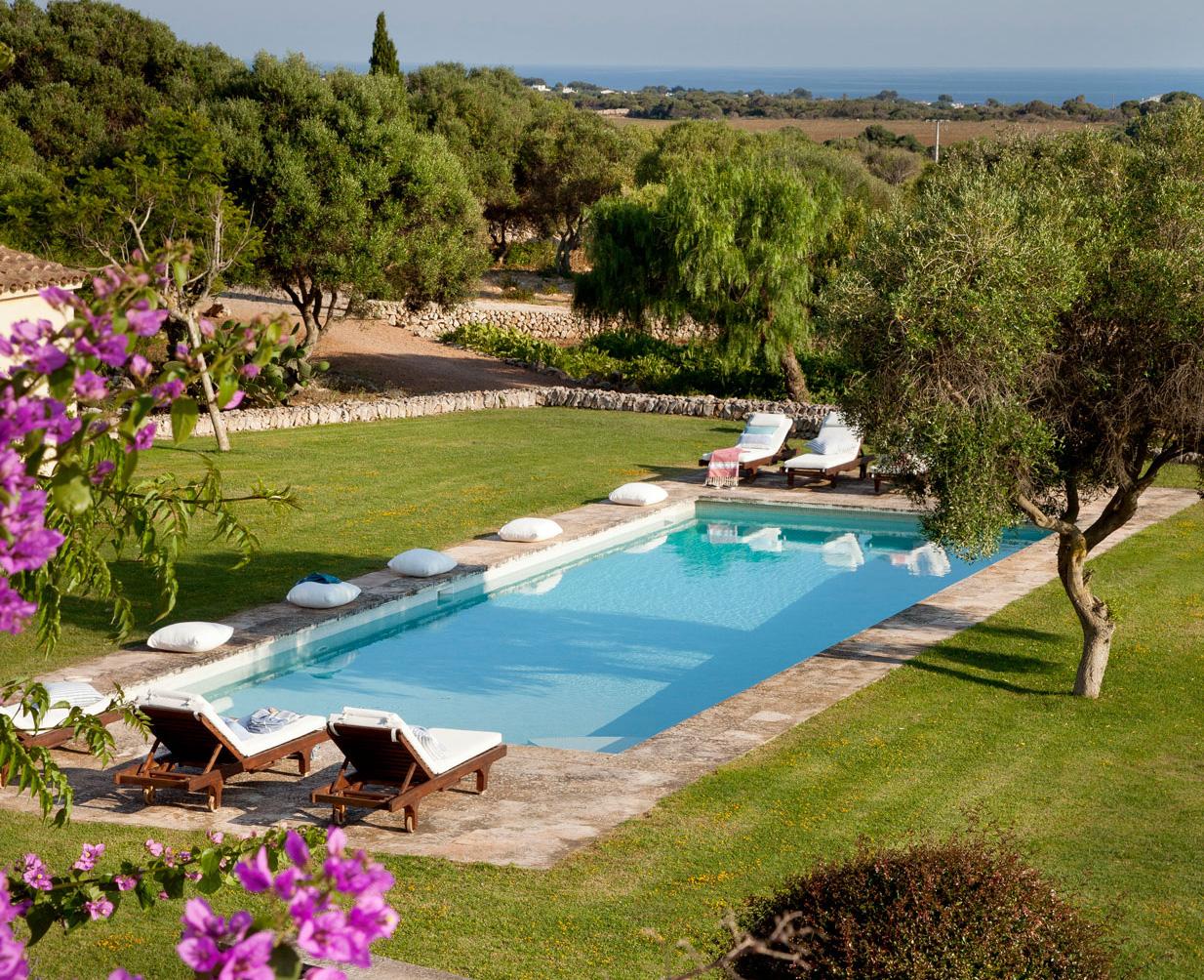 Las 50 mejores piscinas de el mueble - Tumbonas piscina ...