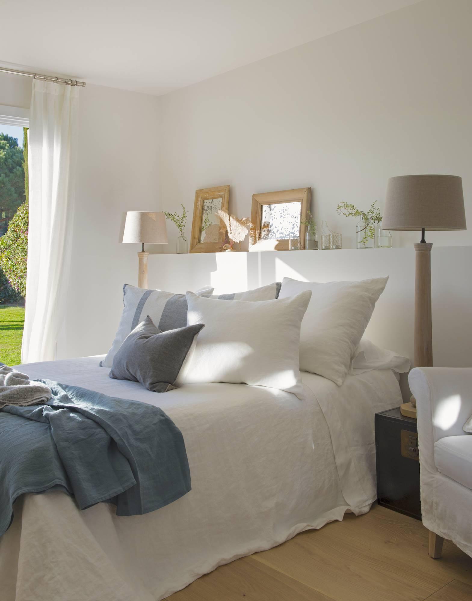 50 trucos para iluminar mejor tu casa - Luz para dormitorio ...