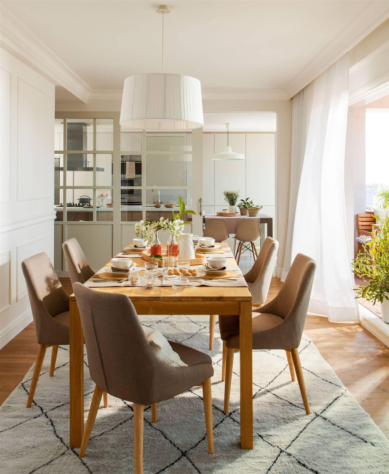 Comedores modernos for Mesas y sillas de comedor en carrefour