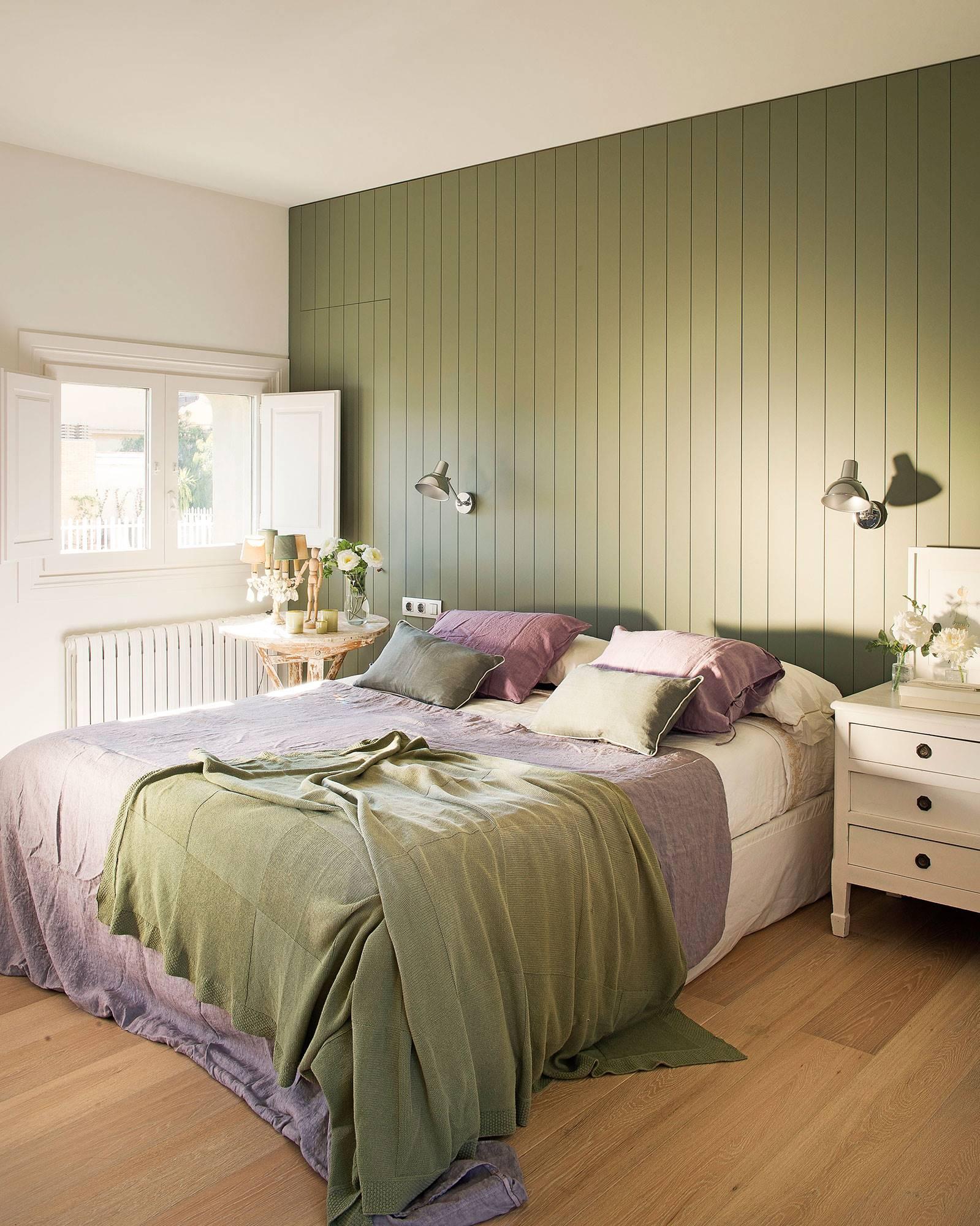 Dormitorio-principal-con-pared-verde-b64837f7 4a6d1c0d. Dormitorio-principal-con-pared-verde-359579