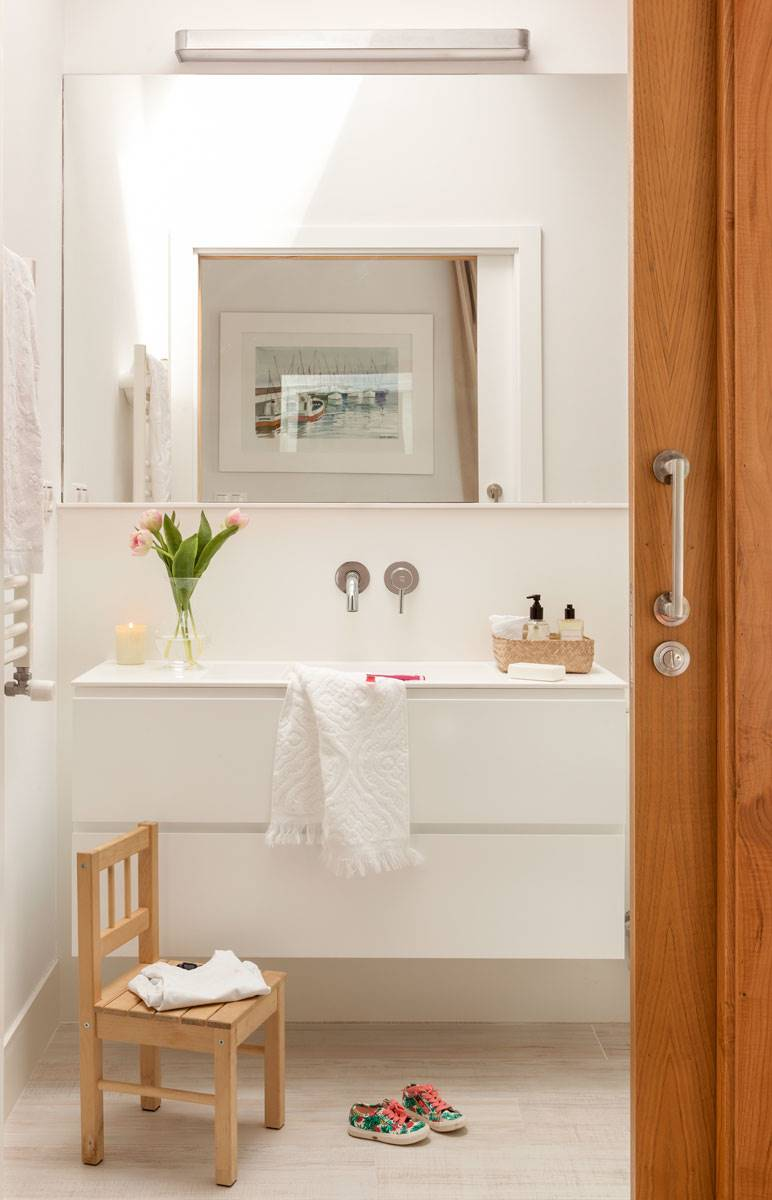 Muebles ba o decoraci n accesorios mamparas y azulejos for Lavabos pequenos con mueble