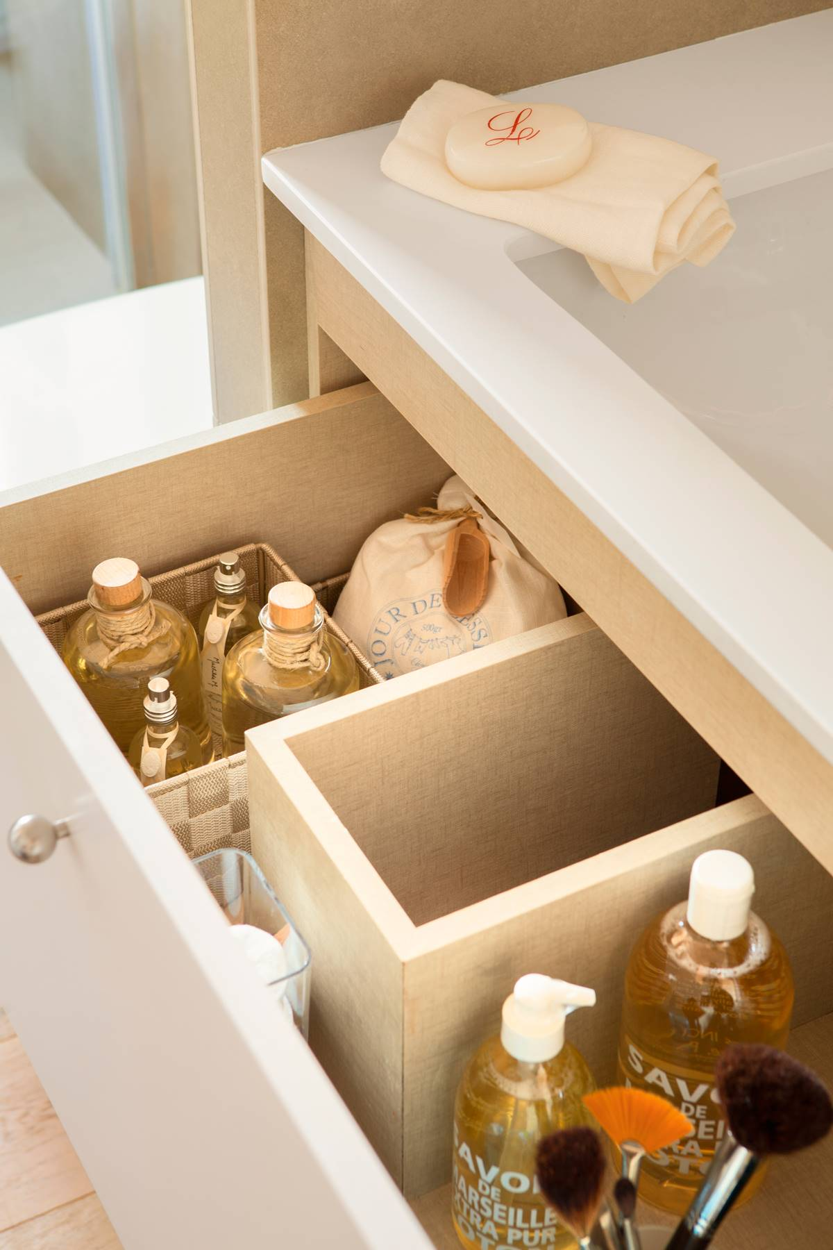 Las mejores soluciones para ordenar tus cosméticos