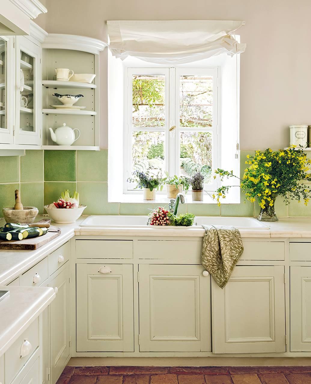 C mo elegir pintura para los azulejos for Azulejos de cocina de loza