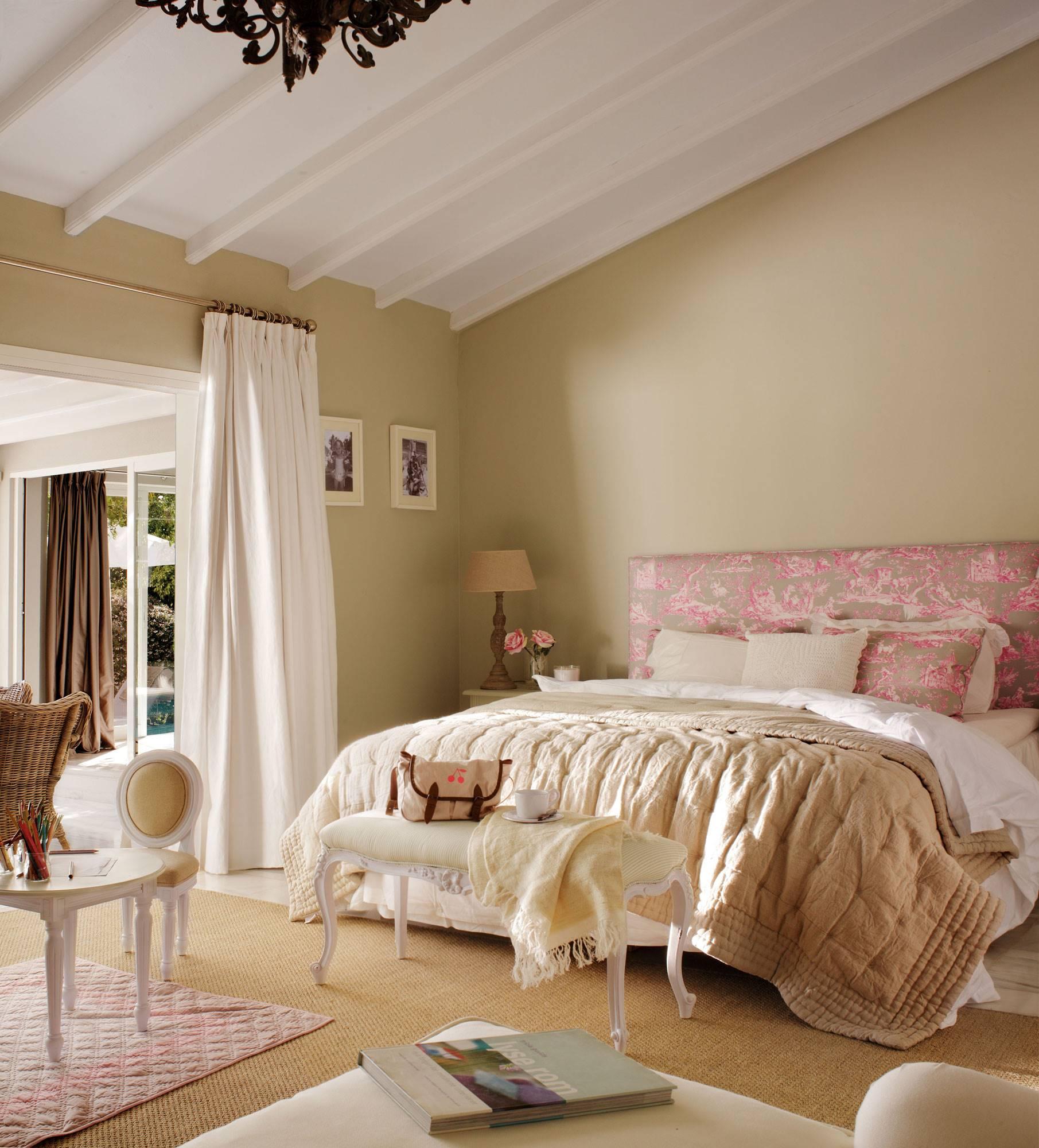 Cuánto cuesta tapizar una silla, un sofá, un cabecero y otros muebles