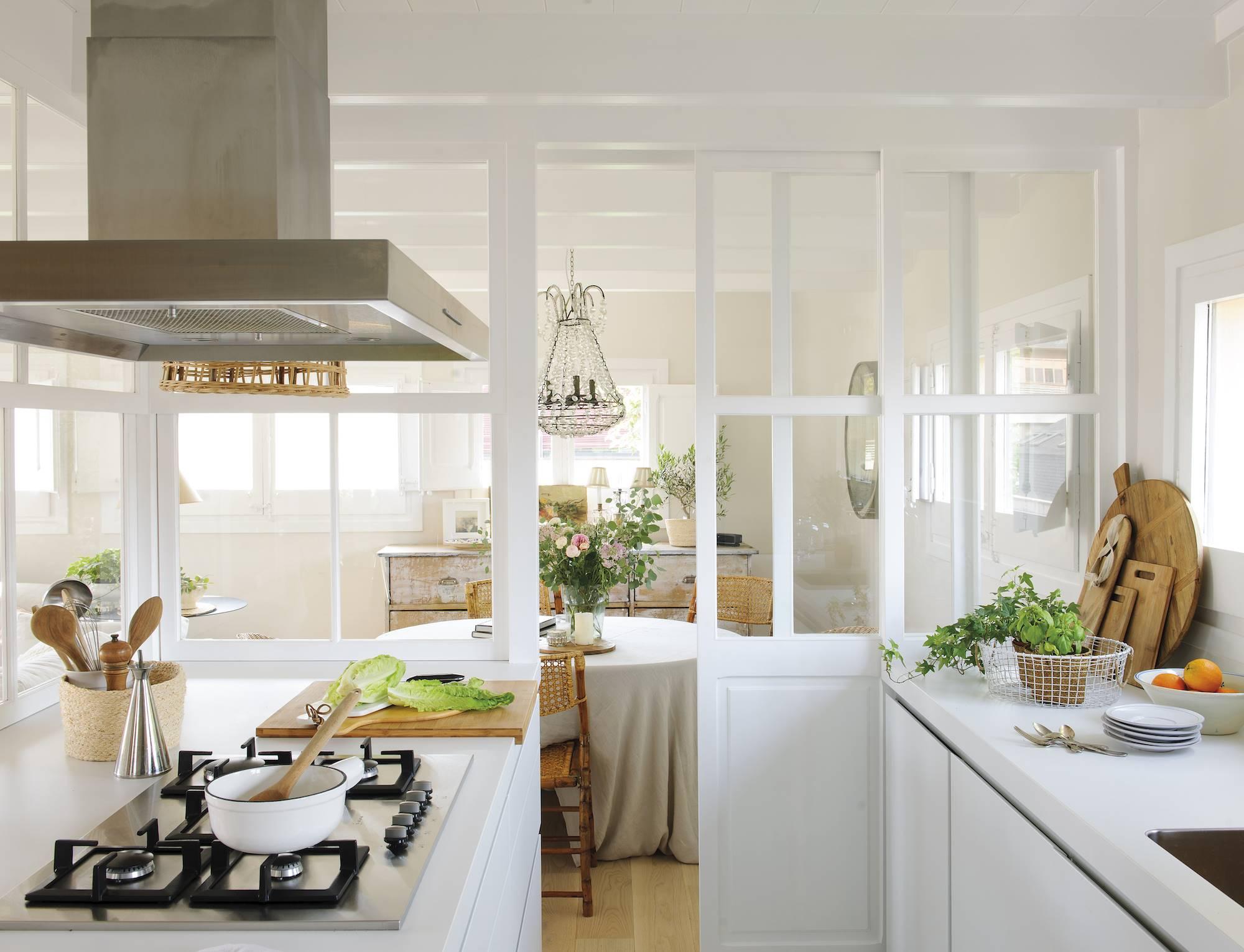 50 cocinas abiertas e integradas en el sal n o comedor for Cocina abierta modelo salon