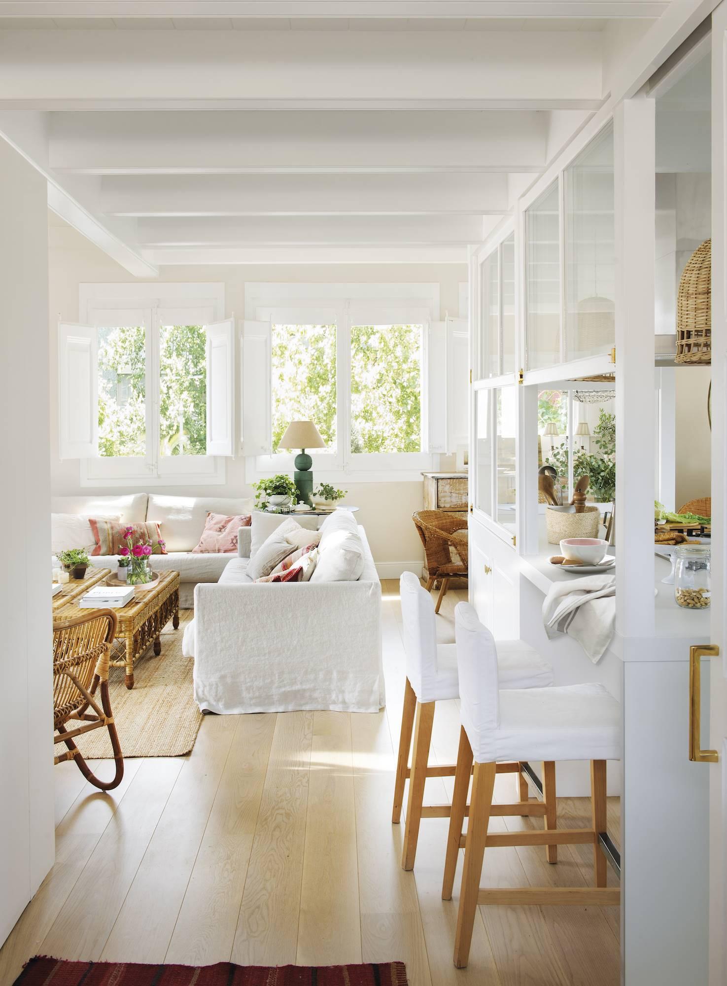 50 cocinas abiertas e integradas en el sal n o comedor for Separacion de muebles cocina comedor