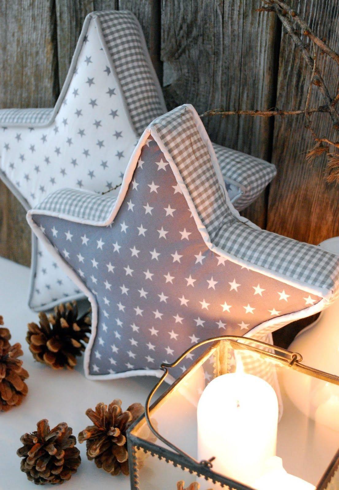 2. Cojines navideños con forma de estrella