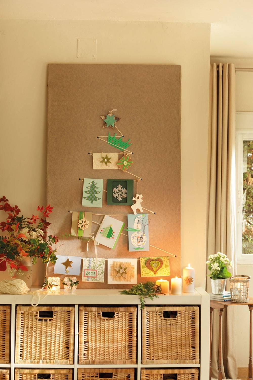 DIY-NAVIDAD-00354326. Un original árbol de Navidad hecho con postales