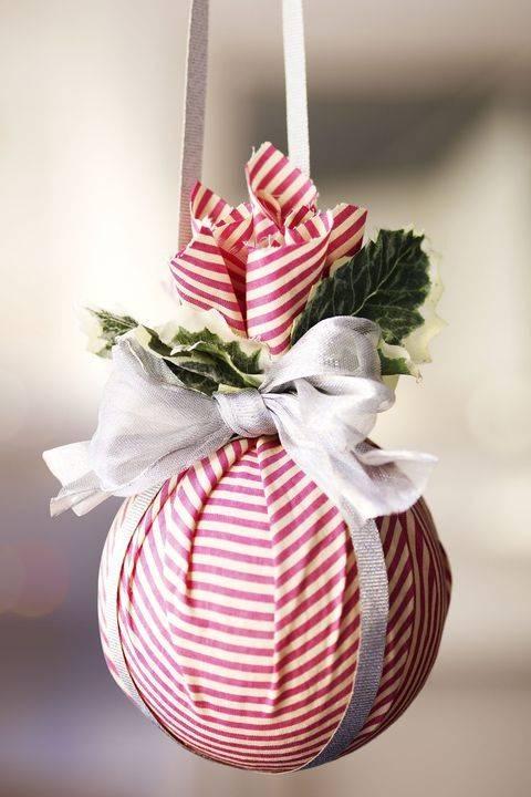 DIY 716. Bolas de Navidad que tienen tela