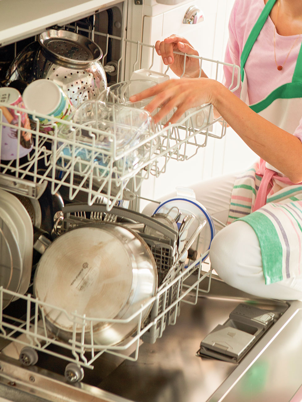 43.-Eliminate-bad-smell-dishwasher 418226