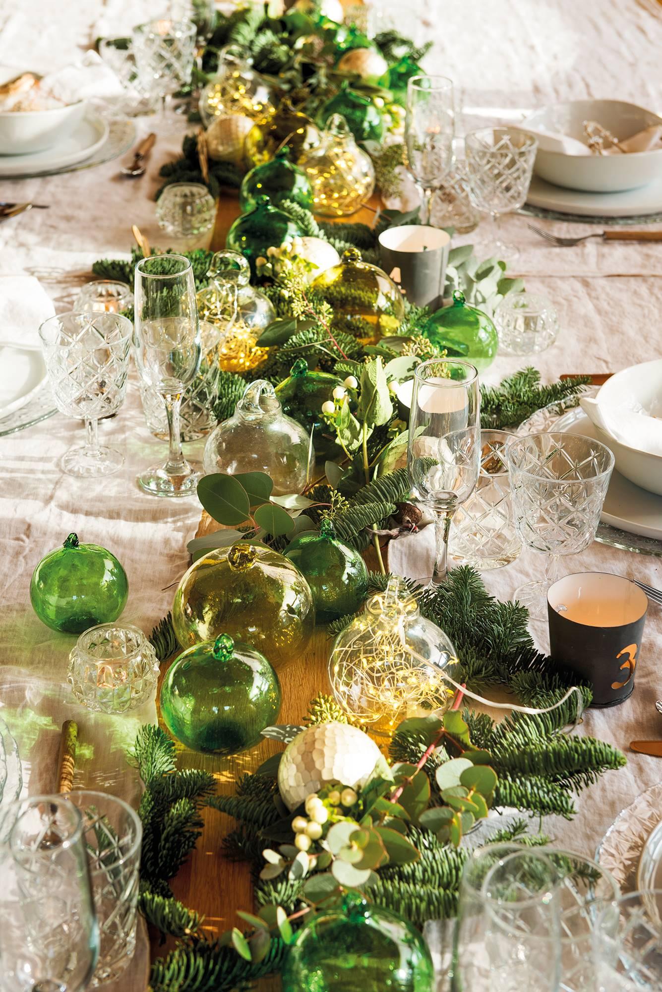 Centros de mesa ideas para decorar la mesa del comedor for Mesa de comedor elegante lamentable