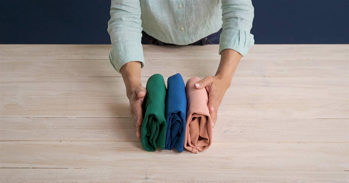Cómo Doblar Camisetas Con El Método Marie Kondo