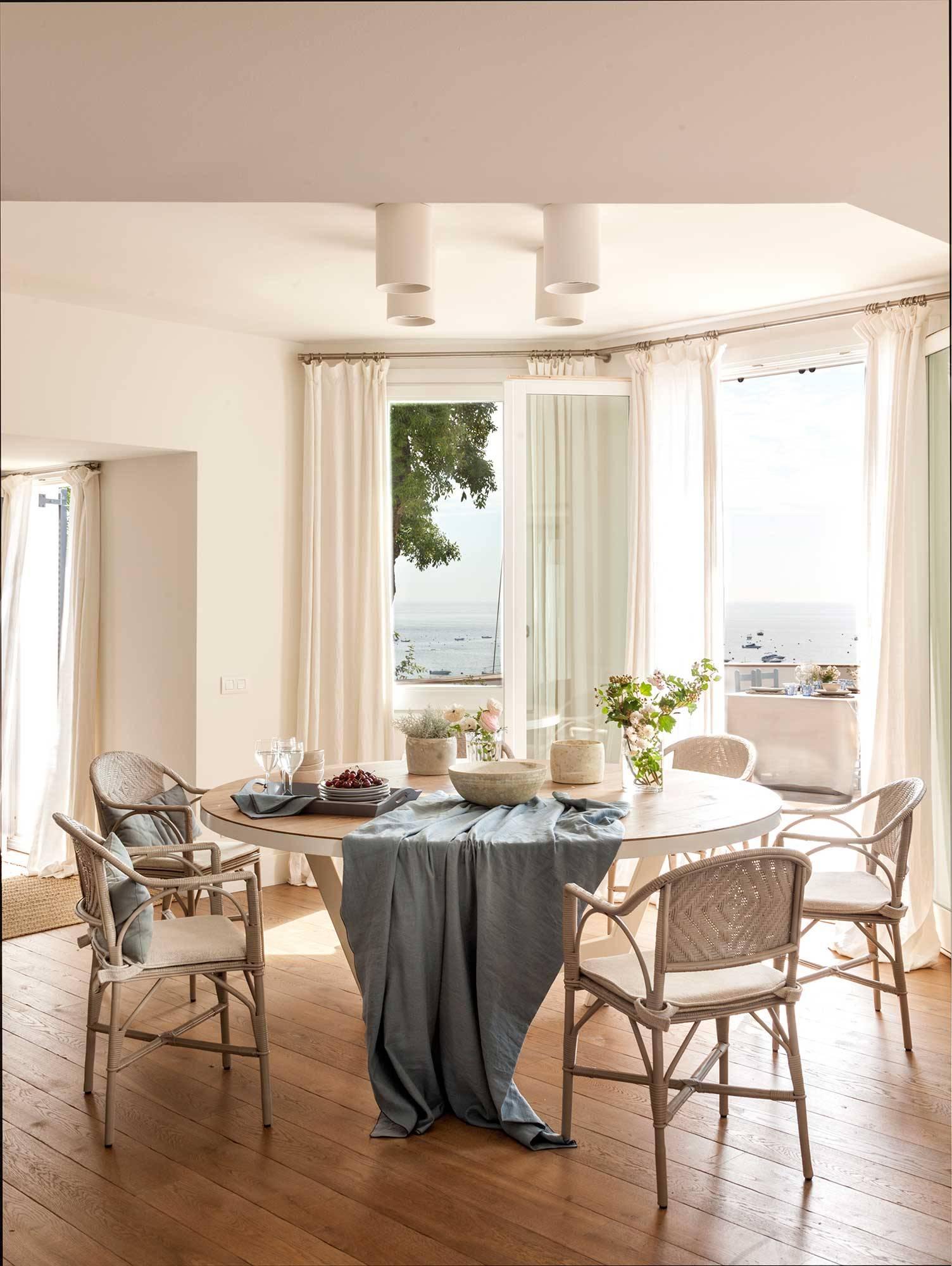 Mesas de comedor: 50 propuestas de todos los estilos