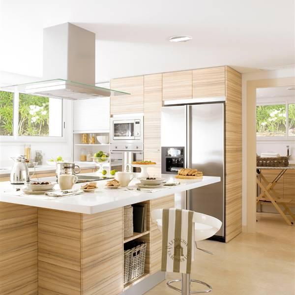 Las 9 cocinas de madera m s c lidas for Cocina rustica que adorna la idea
