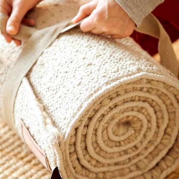 Cómo limpiar la alfombra, eliminar las manchas y mantenerla