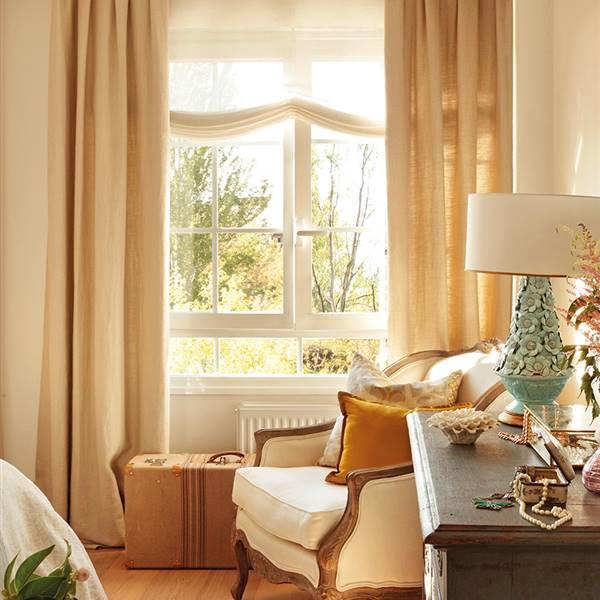 Una cortina para cada ventana for Ventanas de aluminio con cortina