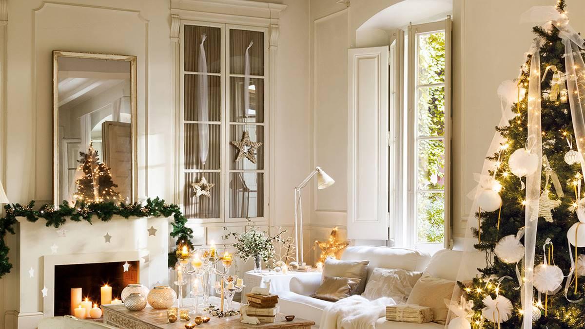 Casa Rústica Decorada De Navidad En Blanco