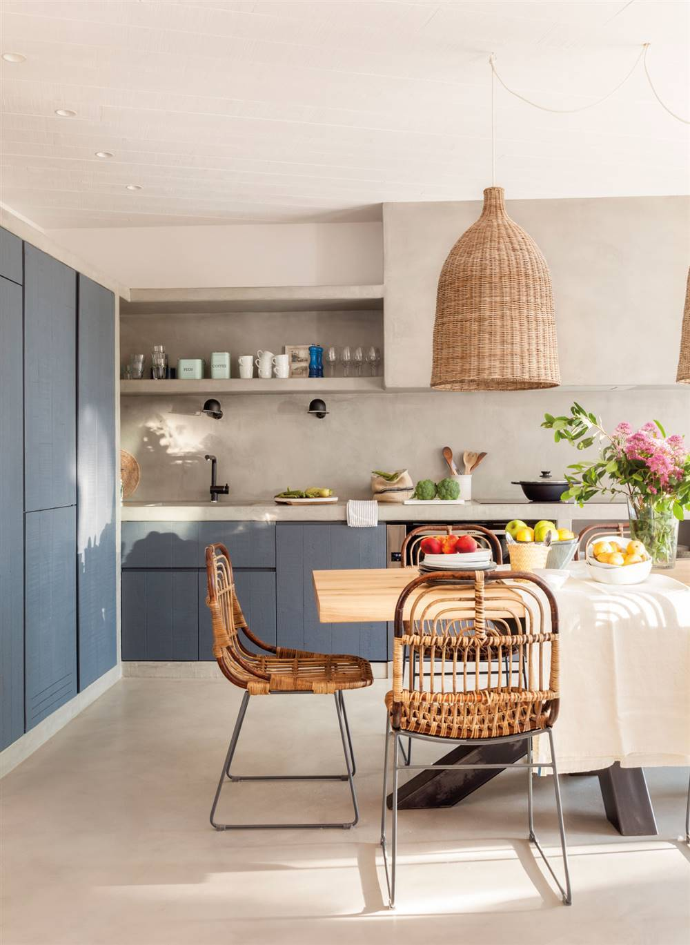 Paredes de la cocina con o sin azulejos for Pintura cocina pato azul