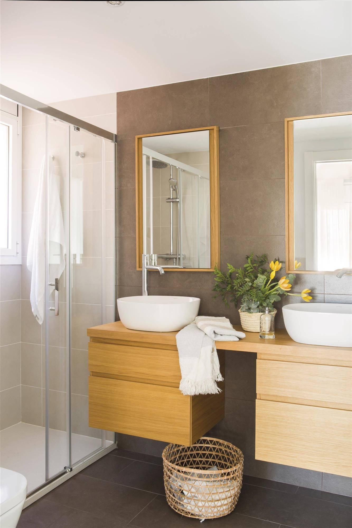 Dimensiones y medidas m nimas del ba o en cent metros for Mueble de bano doble lavabo de madera